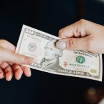 A Guide to Tipping in the Gig Economy